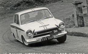 V Rallye Vasco-Navarro.1964. Marzo. Lalao y Carlos Sanchez-Sicilia