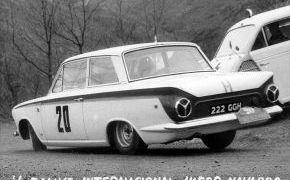 V Rallye Vasco-Navarro.1964. Pierden el Rallye, yendo primeros se saltan un cruce cogiendo una dirección equivocada, siendo descalificados.