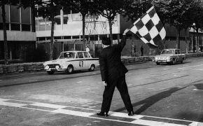 Rallye dos Cataluñas. 1965. Vencedor en su manga Circuito de Montjuich, delante de Willy Mairesse