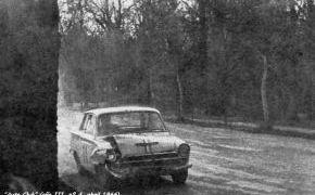 XIV RACE. 1966 Sufre un accidente con el Porsche 356 Carrera de Gargallo en el Circuito de la Casa de Campo.