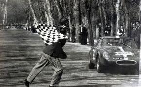 Rallye RACE. 1965. En Circuito de la Casa de Campo supera a Juncadella por 29 sg. alcazando la segunda plaza absoluta.