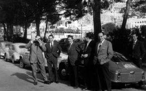 Rallye de Montecarlo 1959. Con periodistas españoles en Montecarlo.
