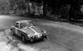 Rallye a las Rias Bajas 1970. La clasificación final la encabeza Juncosa, seguido de Reveter a 24 segundos. El tercer puesto es para Tramont y el cuarto para el Alfa Romeo GTA de Leonibus.