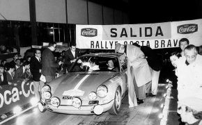 Rallye Costa Brava 1971. Tomando la salida con Eloy Rodríguez como copiloto.