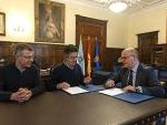 Firma del convenio de colaboración entre la Diputación de Ourense y La Fundación.